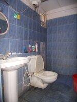 15F2U00038: Bathroom 3