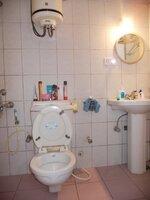 15F2U00038: Bathroom 2