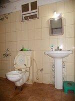 15F2U00038: Bathroom 1