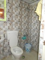 14J1U00337: Bathroom 2
