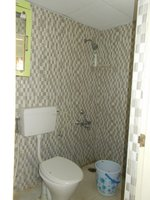14J1U00337: Bathroom 1