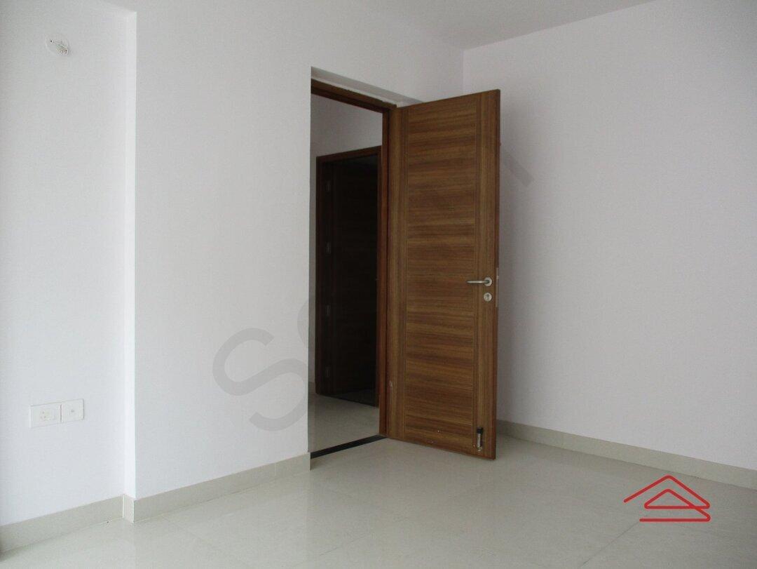15S9U01207: Bedroom 1