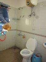 13DCU00169: Bathroom 2