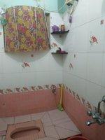 13DCU00305: bathrooms 1