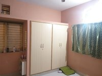 13DCU00305: bedrooms 1