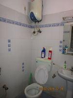 13F2U00054: Bathroom 2