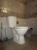 13J7U00099: Bathroom 1