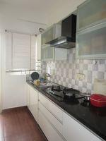 13J7U00099: Kitchen 1