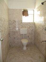 15F2U00412: Bathroom 2
