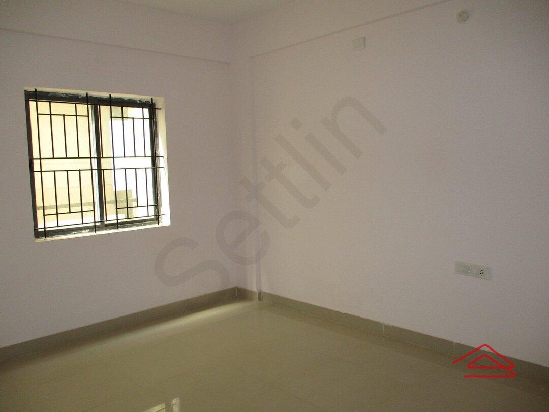 15F2U00412: Bedroom 1