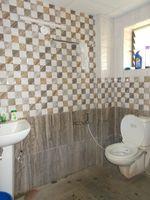 13J6U00055: Bathroom 1