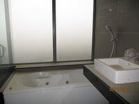 15J7U00339: Bathroom 2