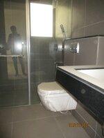 15J7U00339: Bathroom 4