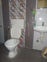 13M5U00012: Bathroom 1