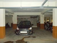 13M5U00012: parking 1