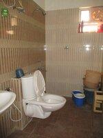 14OAU00188: Bathroom 2