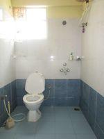 13A4U00373: Bathroom 1