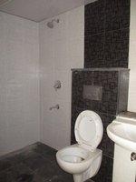 14J1U00457: Bathroom 3