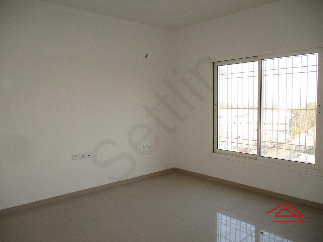 14F2U00213: Bedroom 1