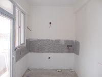 12M5U00413: Kitchen 1