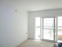 13M5U00641: Balcony 1