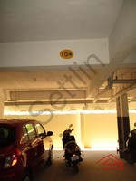 10J6U00366: parking 1