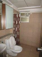 13DCU00385: Bathroom 3