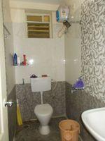 13J6U00544: Bathroom 2