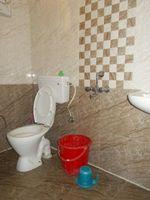 13J6U00544: Bathroom 1