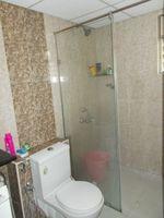 12M5U00287: Bathroom 1
