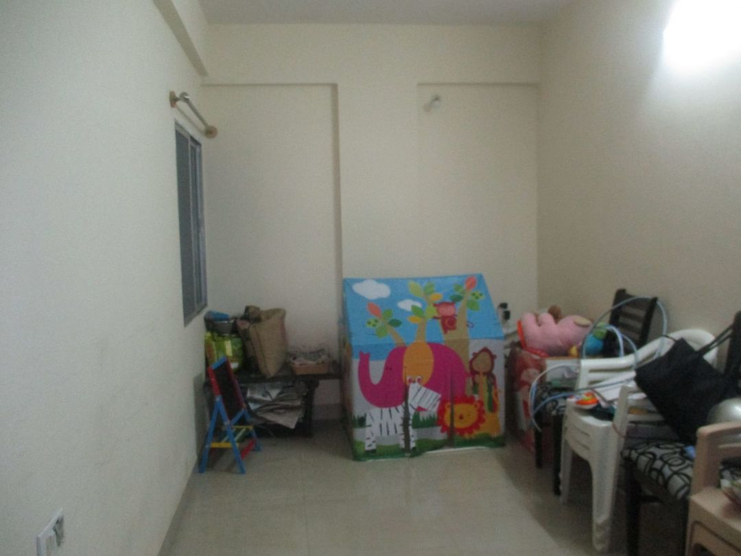 10J6U00034: Bedroom 1