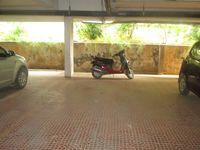 10J6U00034: Parking