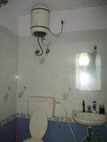 10J7U00053: Bathroom 2