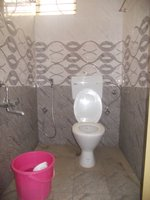 14J6U00217: bathrooms 2