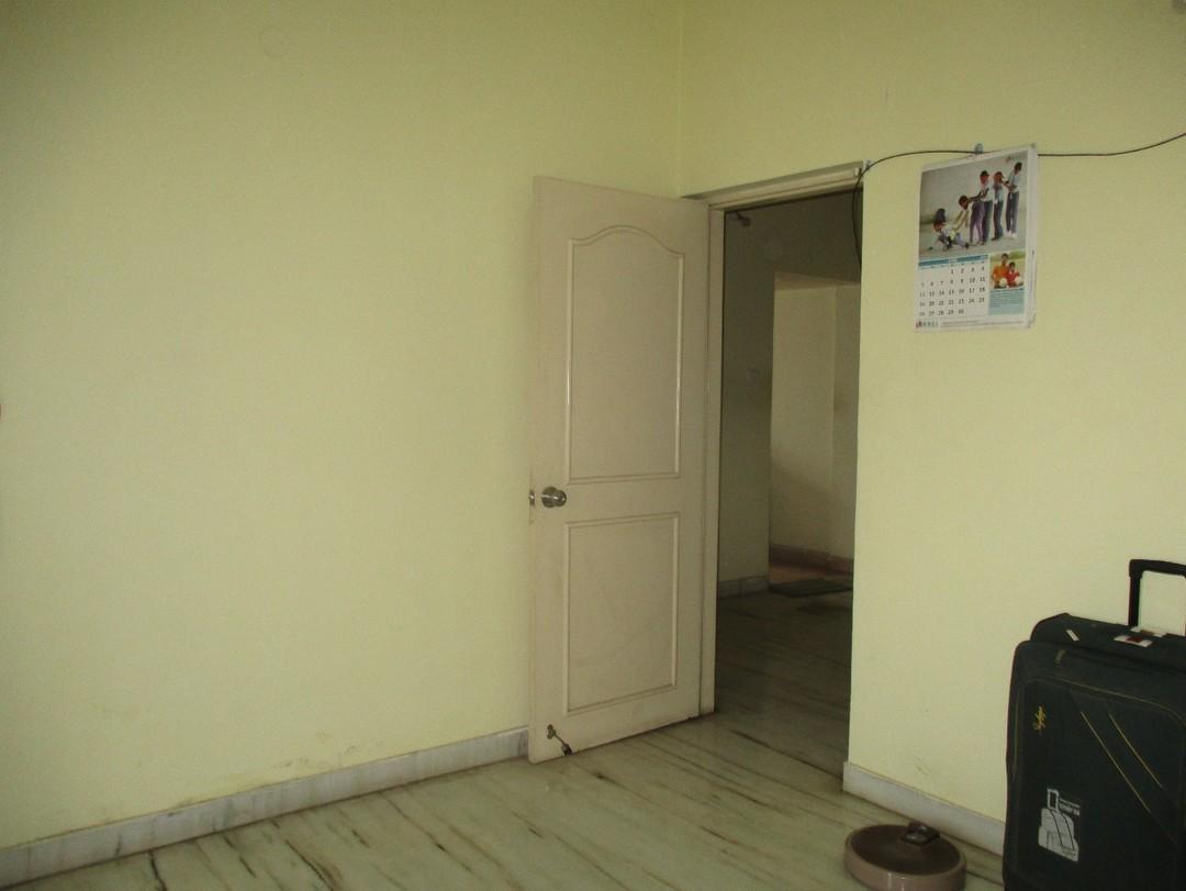 11M5U00189: Bedroom 1