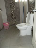 12OAU00174: Bathroom 2