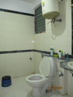 15F2U00070: Bathroom 1