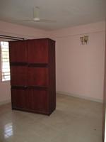 10F2U00010: guest Bedroom