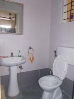 12J6U00254: Bathroom 2