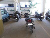 13M5U00561: parking 1