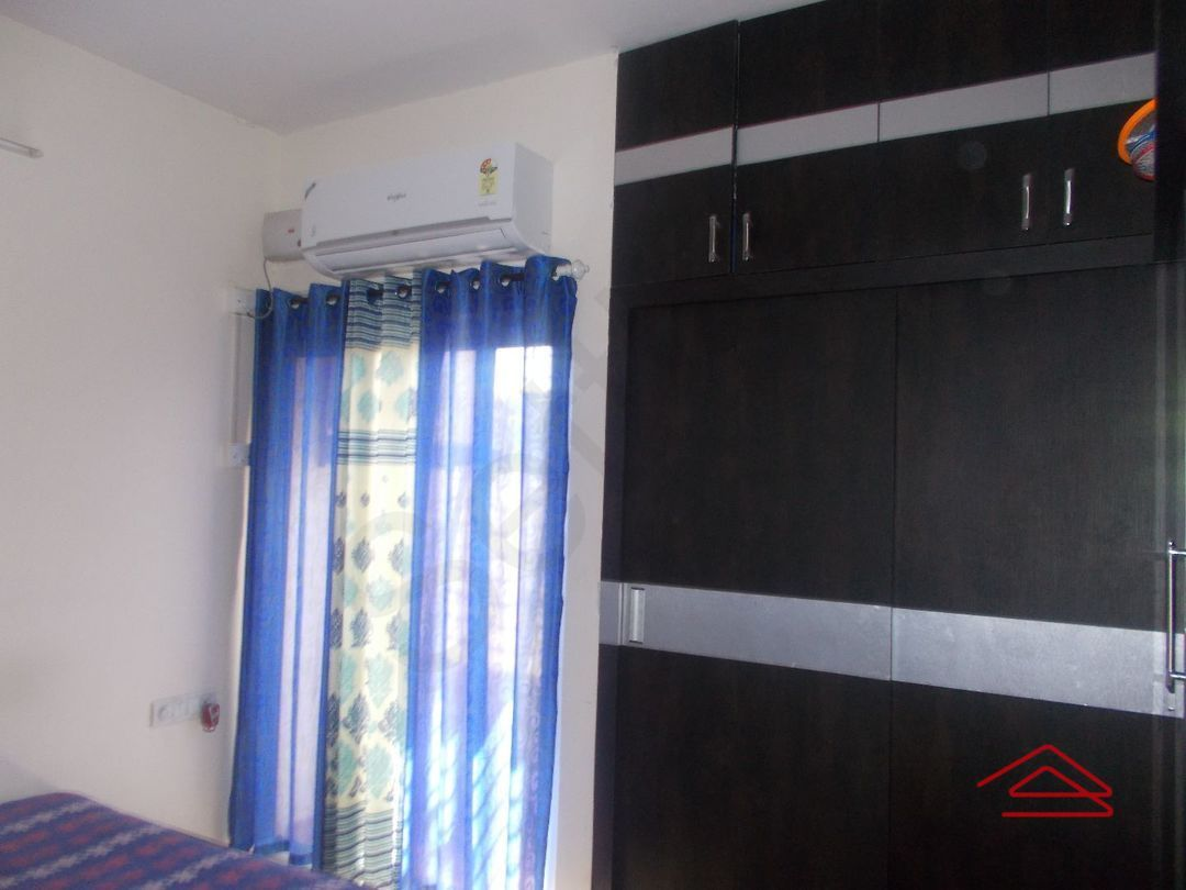 12A4U00107: Bedroom 1
