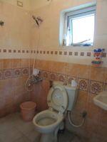 13M3U00441: Bathroom 2