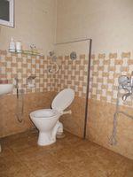 12NBU00186: Bathroom 1