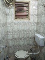 12J7U00354: Bathroom 1