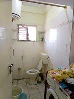 14J1U00444: Bathroom 2