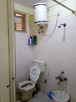 14J1U00444: Bathroom 1
