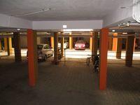 10J6U00232: Parking