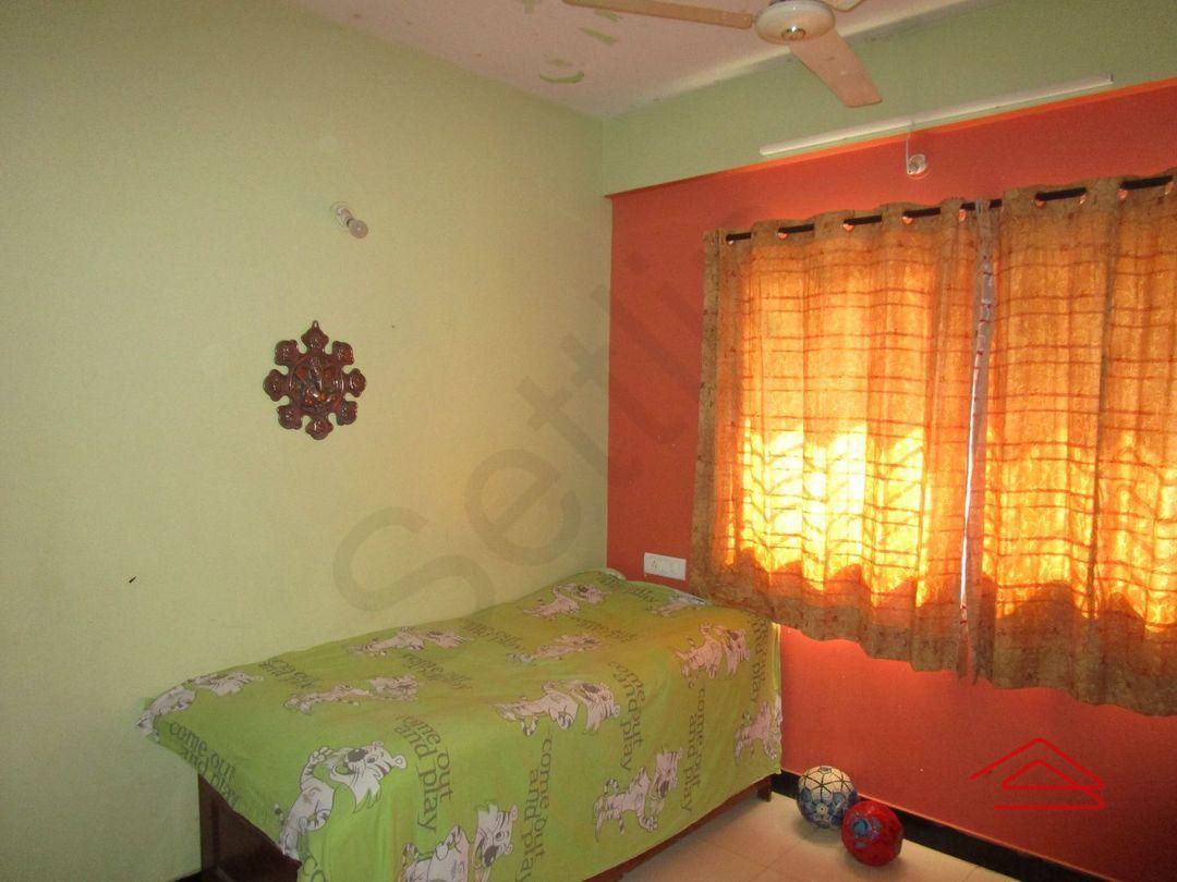 13M5U00032: Bedroom 1