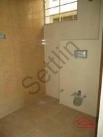10DCU00196: Bathroom 1
