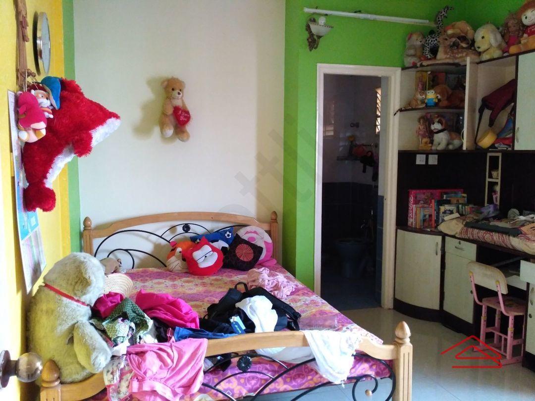 11S9U00009: Bedroom 1